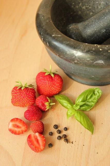 Strawberry-Basil-Pepper Icecream by SweetsandLifestyle