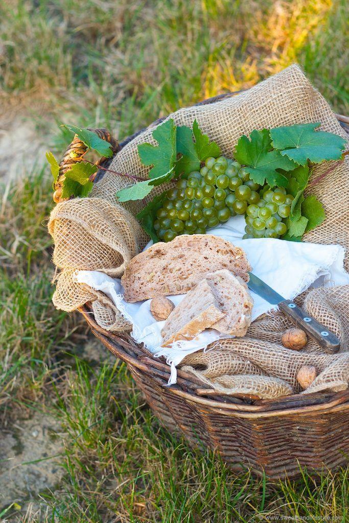 Leckeres Nussbrot serviert bei der Weinlese im Weingarten von Sweets and Lifestyle