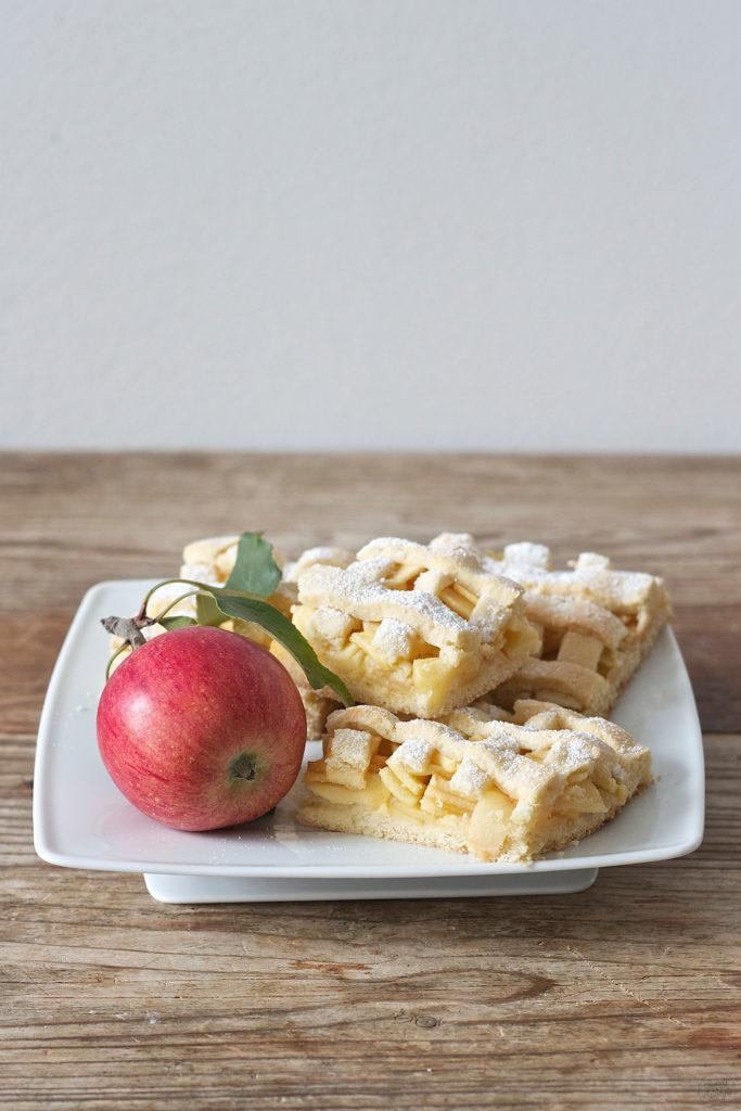 Gedeckter Apfelkuchen vom Blech nach einem Rezept von Sweets & Lifestyle