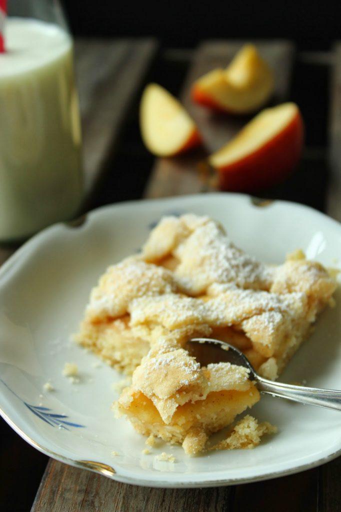 Leckerer gedeckter Apfelkuchen vom Blech nach einem Rezept von Sweets and Lifestyle