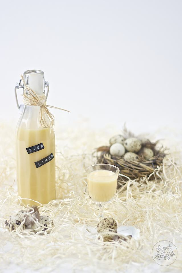 Cremiger selbst gemachter Eierlikoer nach einem Rezept der Familie von Sweets and Lifestyle