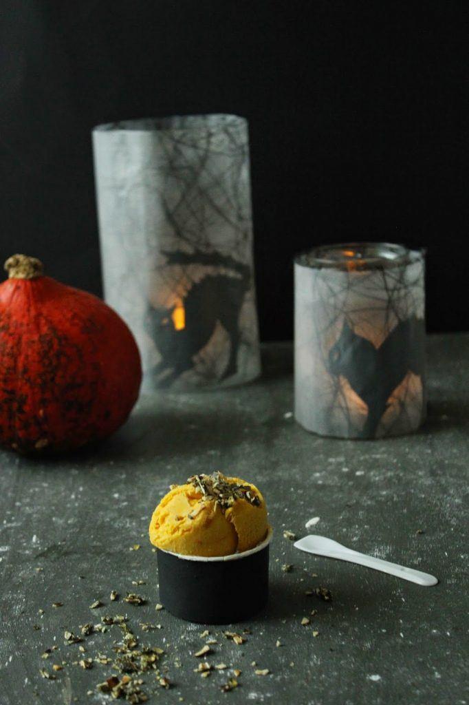 Für die kleinen Gruselmonster gibt es Kürbiseis mit Schimmel zu Halloween bei Sweets and Lifestyle