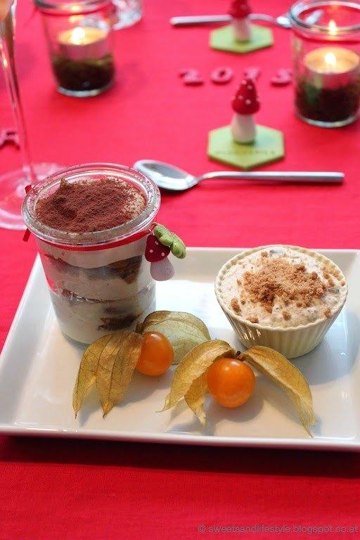 Spekulatius-Tiramisu mit Cashew-Creme und pekulatius-Parfait als Dessert beim Dinner goes vegan-Silvesterdinner