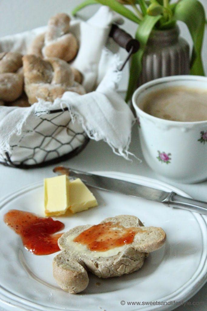 Roggenbrötchen für das Frühstück von Sweets and Lifestyle