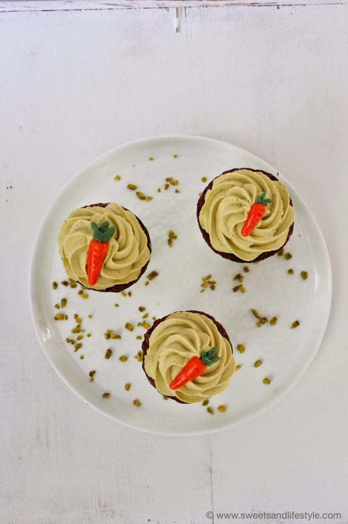 Zu Ostern gibt es Cupcakes mit Glinitzer's Wiener Salon Nougat als österliches Dessert bei Sweets and Lifestyle