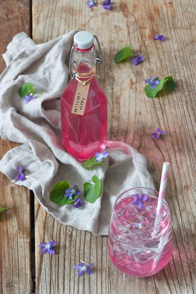 Veilchensirup selber machen nach dem Rezept von Sweets & Lifestyle®