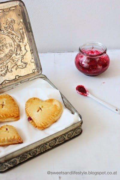 Herz Hand Pies als Last Minute Geschenkidee für den Muttertag von Sweets and Lifestyle