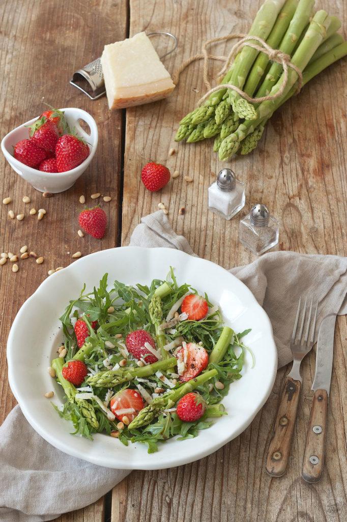 Grüner Spargelsalat mit Erdbeeren von Sweets & Lifestyle®