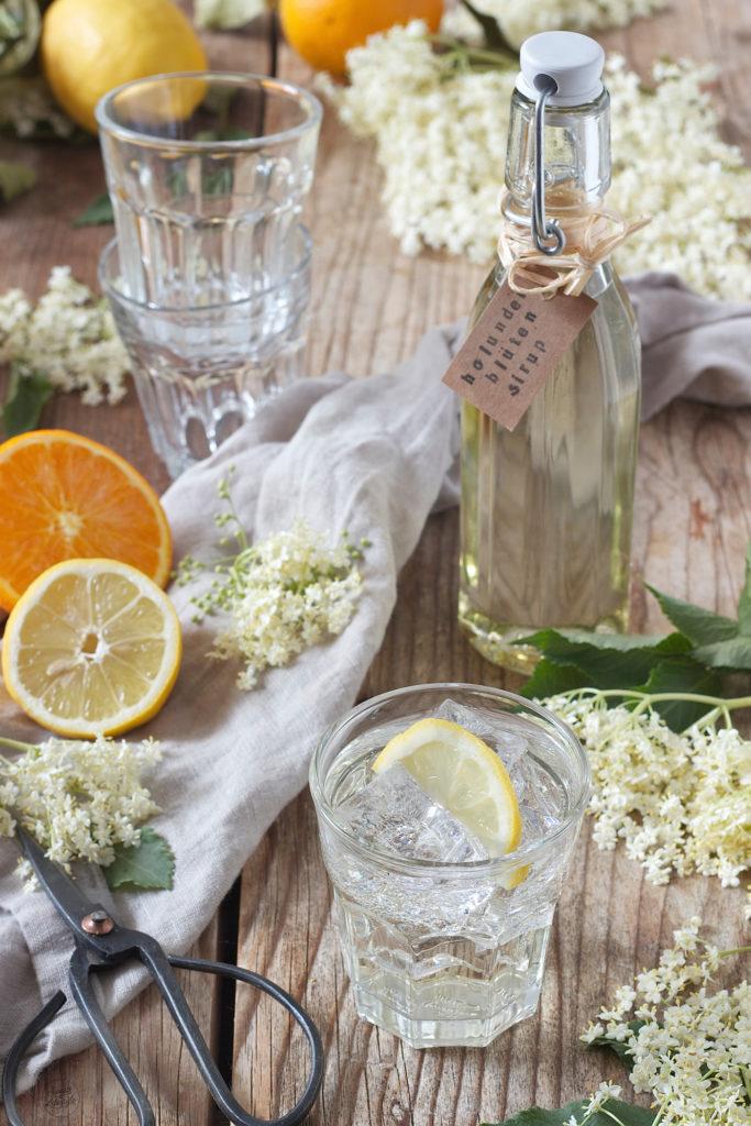 Einfaches Holunderblütensirup Rezept von Sweets & Lifestyle®