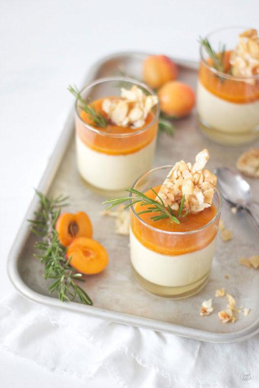 Leckeres Semifreddo mit Marillen von Sweets and Lifestyle