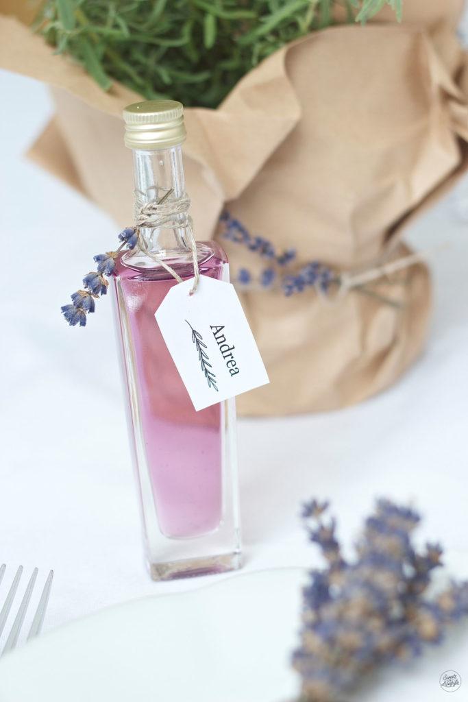 Leckerer, aromatischer selbst gemachter Lavendelsirup von Sweets and Lifestyle