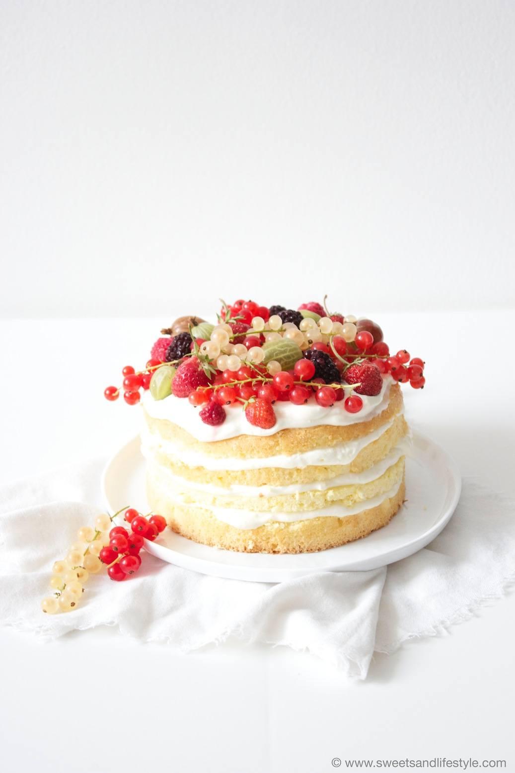 Naked Cake mit Erdbeeren - Rezept aus Enie backt