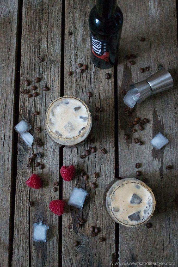 Kaffee Cocktail mit Himbeerlikör von Sweets and Lifestyle