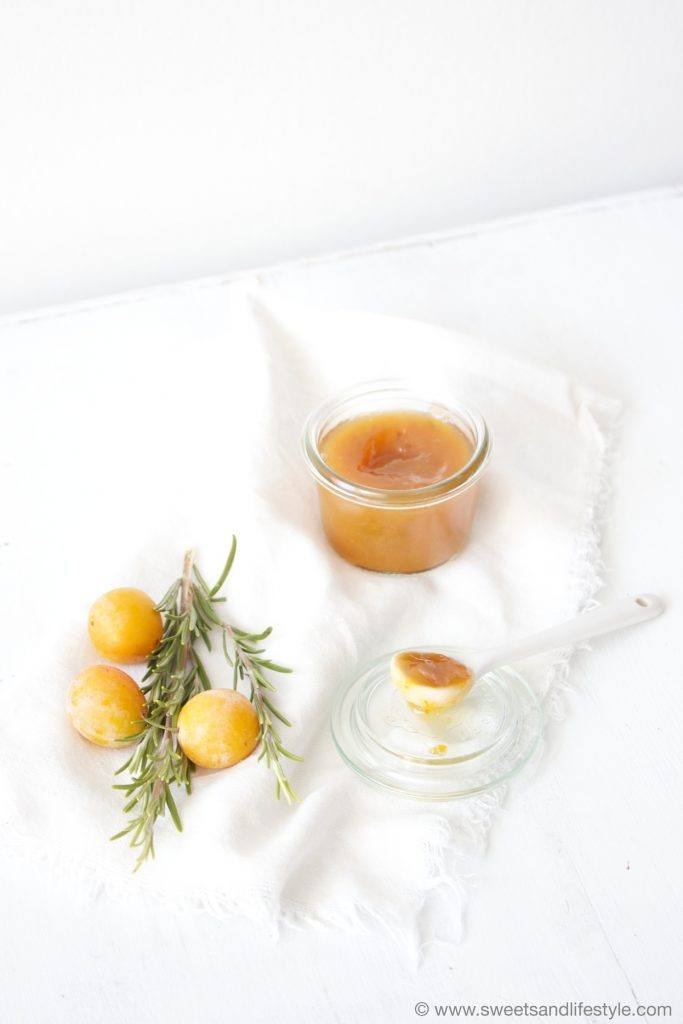 Kriecherlmarmelade mit Rosmaringeschmack von Sweets and Lifestyle