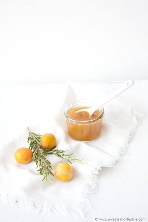 Keine 08/15 Marmelade ist die Kriecherlmarmelade mit Rosmarin von Sweets and Lifestyle