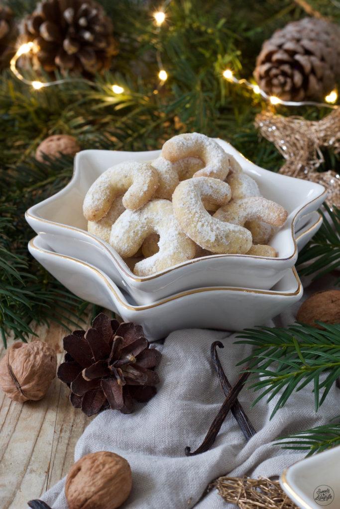 Leckere Vanillekipferl mit Walnüssen nach einem Rezept von Sweets & Lifestyle®
