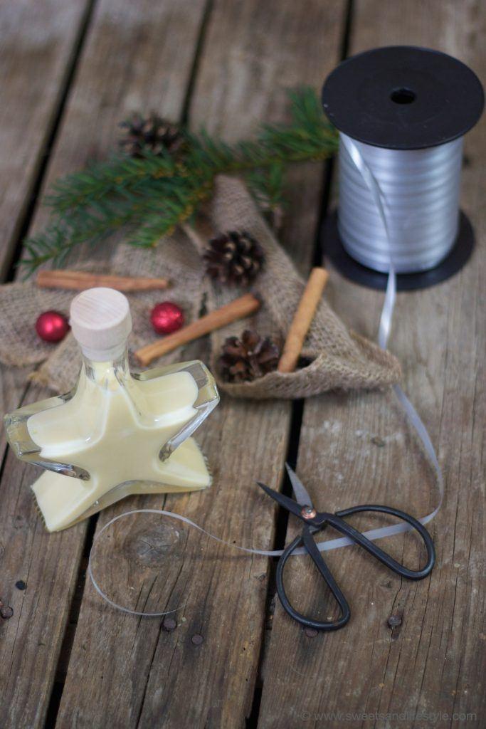 Selbst gemachter Eierlikör mit Muskatnuss und Zimt als selbst gemachtes Weihnachtsgeschenk von Sweets and Lifestyle