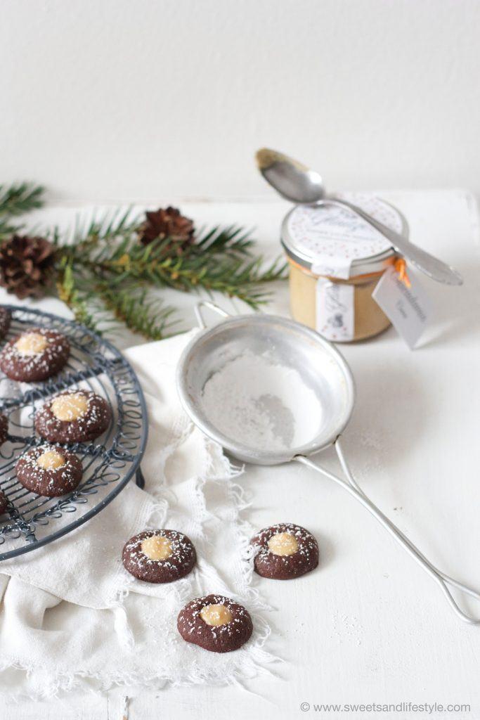Schoko-Husarenkrapfen mit Macadamia-Creme die auf der Zunge zergehen von Sweets and Lifestyle