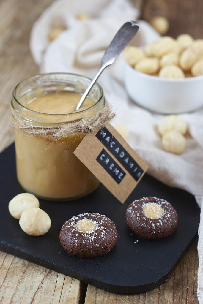 Schoko Husarenkrapfen mit Macadamia Creme gefüllt von Sweets & Lifestyle®