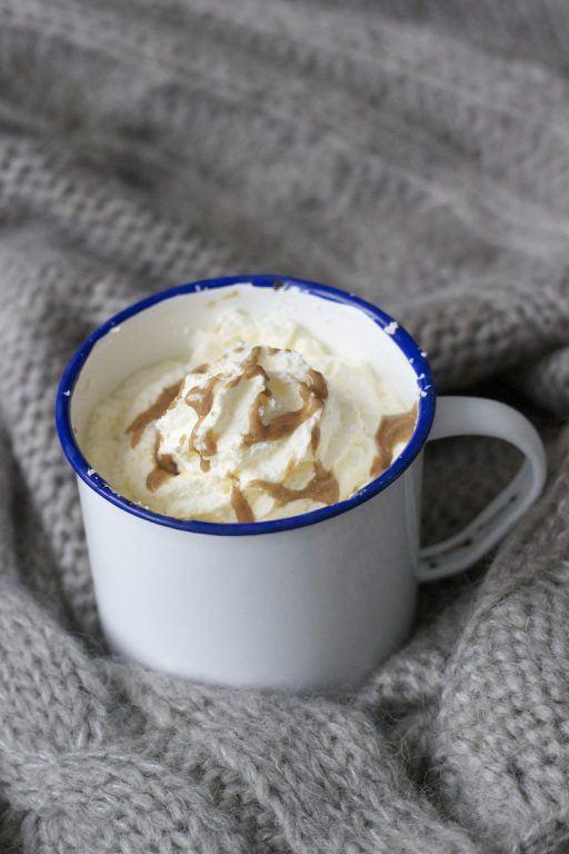 Heiße Milch mit Mandel-Nougat von Sweets and Lifestyle