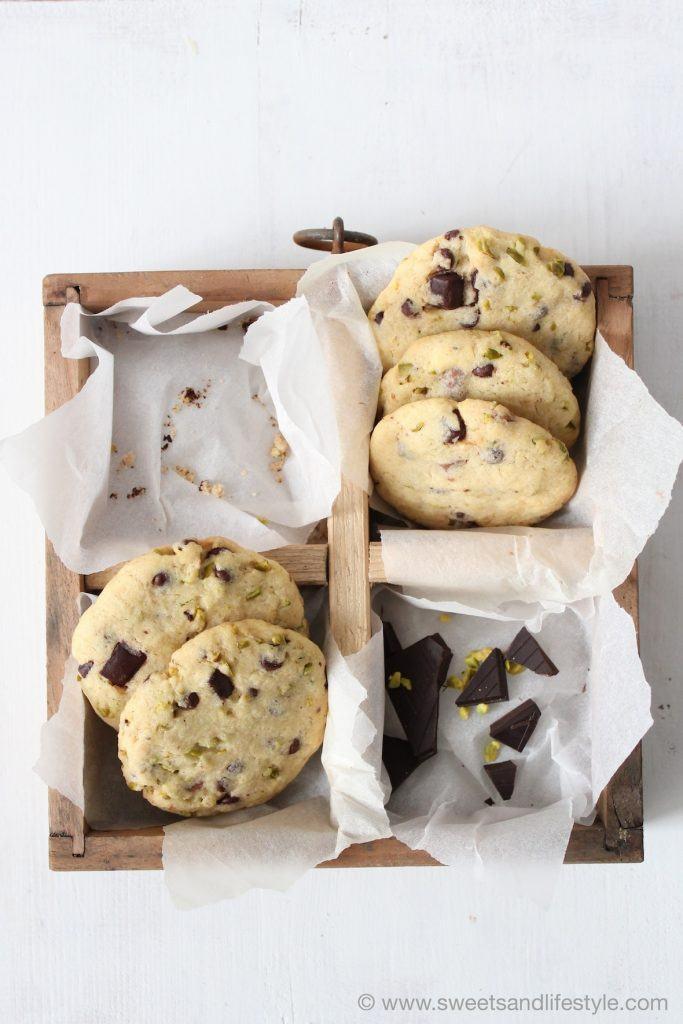Leckere Cookies mit dunkler Schokolade und Pistazien von Sweets and Lifestyle