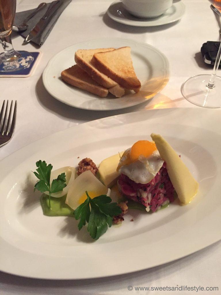 Köstliches Beef Tatar im Seehaus Regensburg von Sweets and Lifestyle