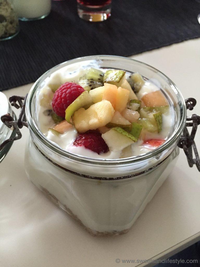 Köstliches Frühstücksgranola im Weingarten-Resort Unterlamm-Loipersdorf von Sweets and Lifestyle
