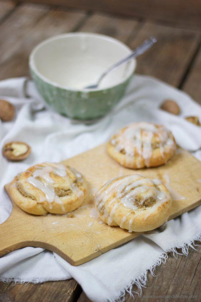 Nussschnecken mit picksüßem Zuckerguss von Sweets and Lifestyle