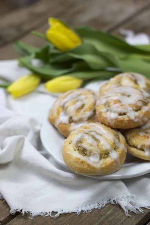 Leckere, picksüße Nussschnecken mit Zuckerguss von Sweets and Lifestyle