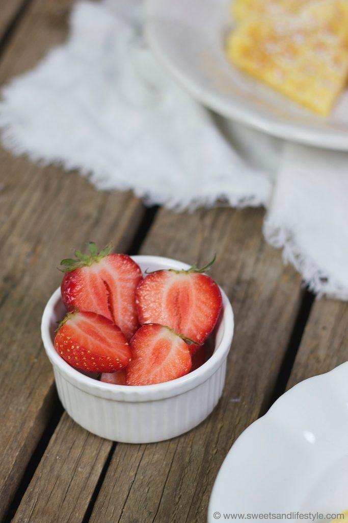 Waffeln mit Erdbeeren zum Muttertag von Sweets and Lifestyle