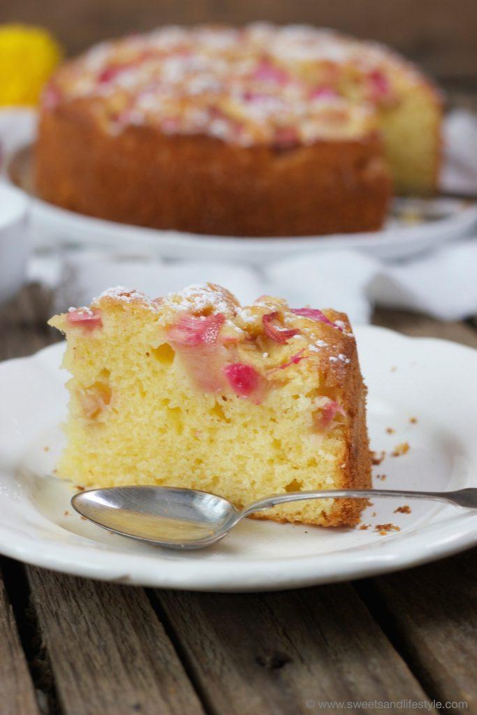 Schnelles und einfaches Rhabarberkuchenrezept von Sweets and Lifestyle