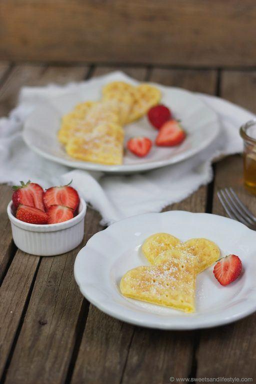 Selbst gemachte Waffeln mit Erdbeeren von Sweets and Lifestyle
