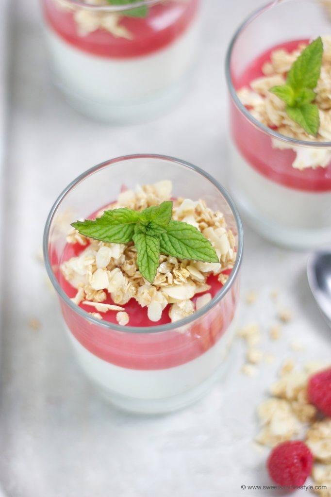 Köstliche Himbeer-Pfirsich-Creme mit MorgenZauber Sirup , ein schnell zubereitetes Dessert, von Sweets and Lifestyle