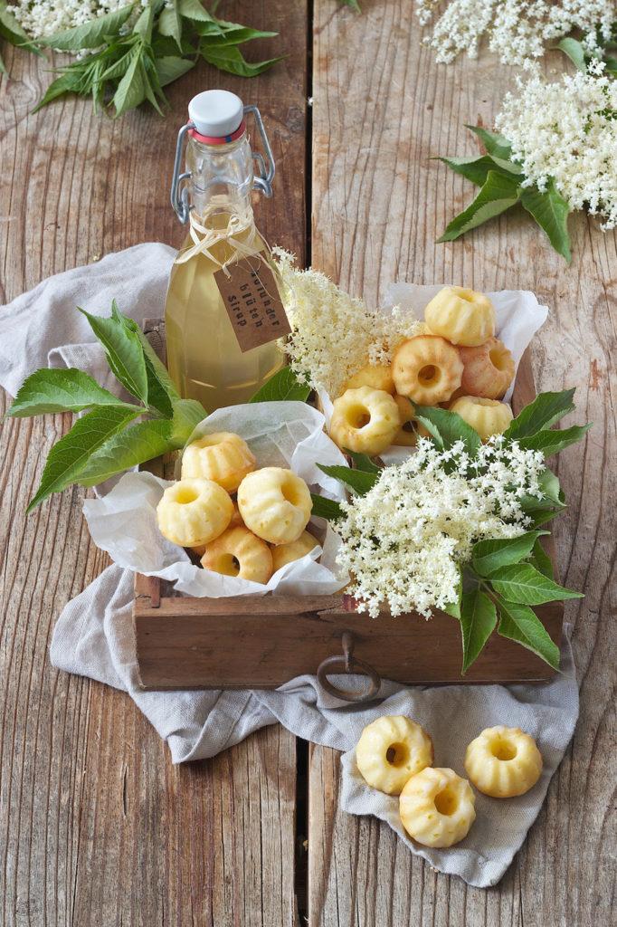 Mini Gugl Rezept mit Holunderblütensirup von Sweets & Lifestyle®