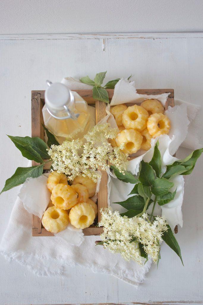 Holunderblüten Minigugls mit Holunderbluetensirup und Zuckerguss von Sweets and Lifestyle