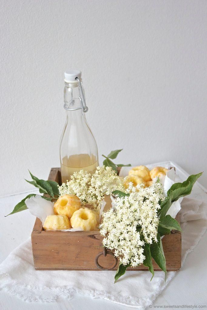 Holunderblüten Minigugls mit Holunderbluetensirup und Zuckerglasur von Sweets and Lifestyle