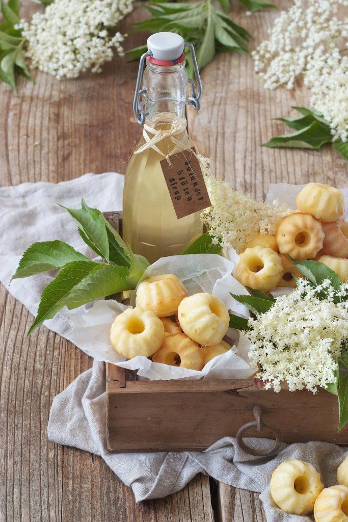 Saftige Mini Gugls mit Holunderblütensirup von Sweets & Lifestyle®
