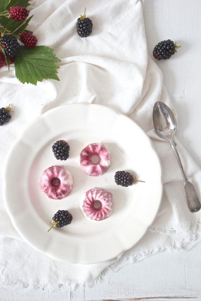 Leckere Mini-Eisgugl mit Brombeeren nach einem Rezept von Sweet and Lifestyle