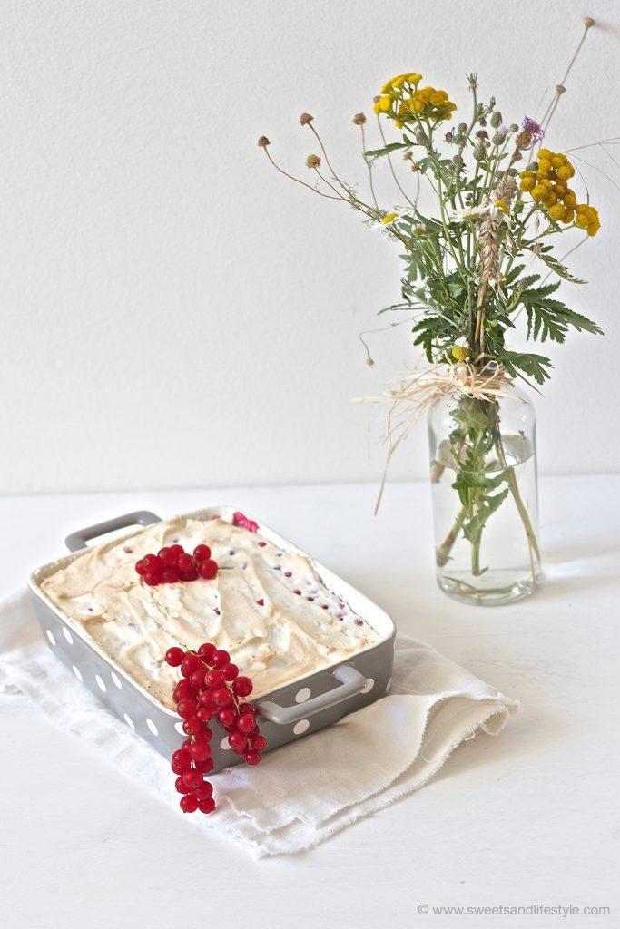 Schoko-Ribiselkuchen mit Schneehaube, sehr koestlich, von Sweets and Lifestyle