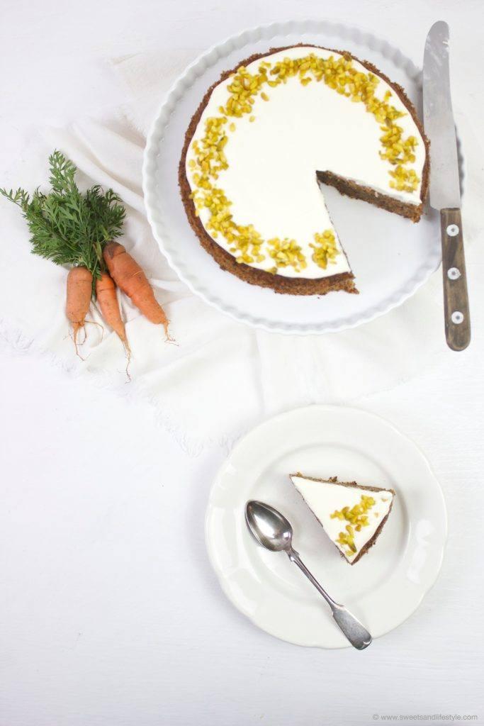 Saftige Karottentorte mit Walnüssen und Frostig nach einem Rezept von Sweets and Lifestyle