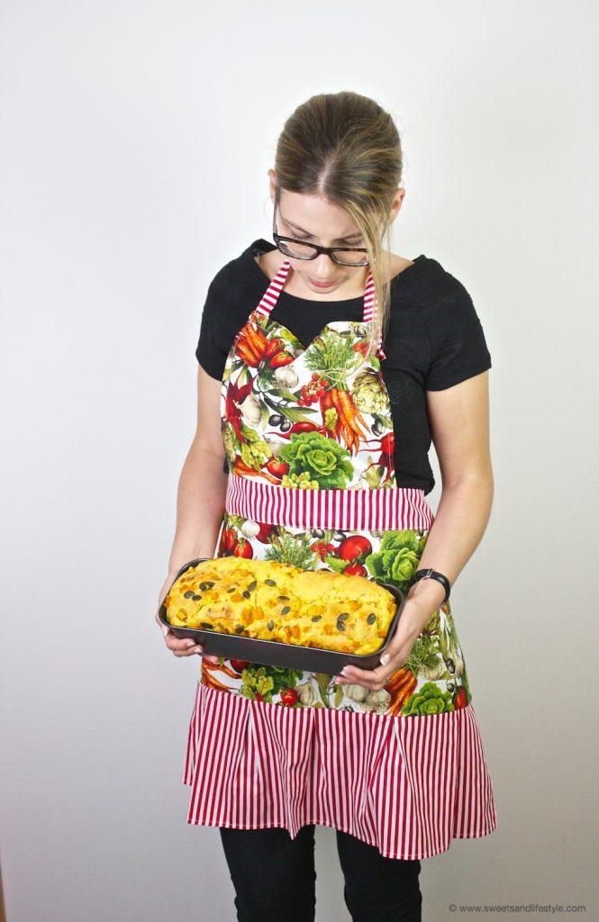 SHEELA Schürze Modell Jolanda getragen von Sweets and Lifestyle