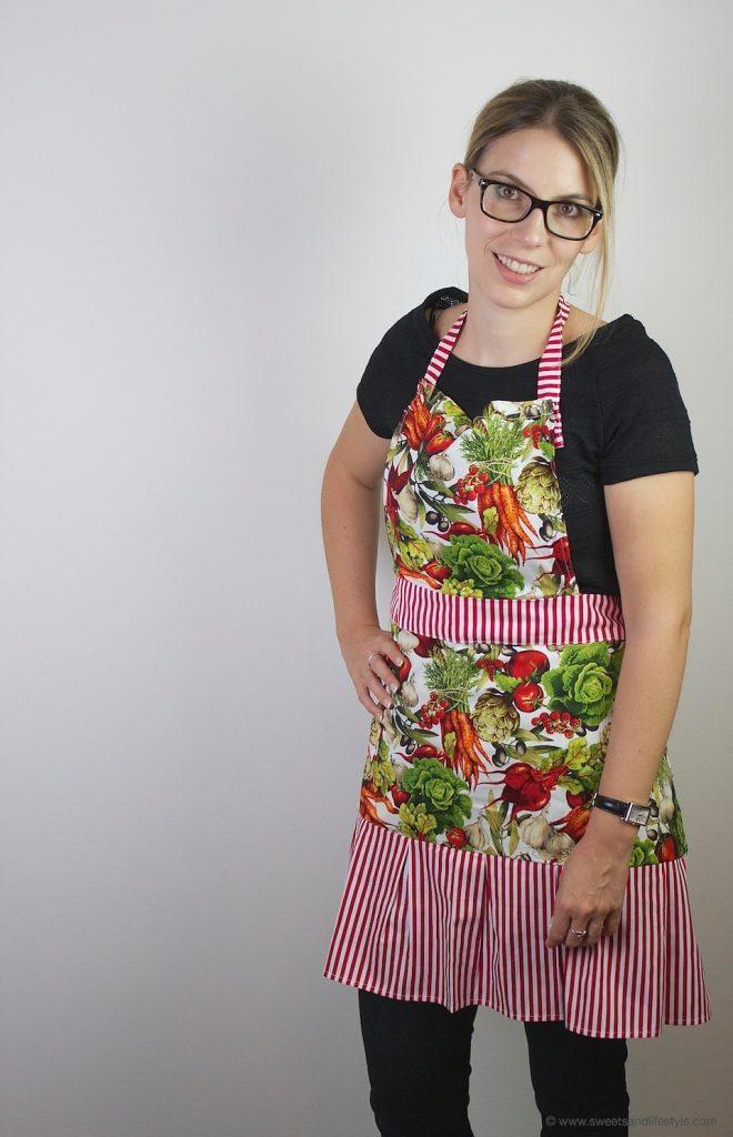 SHEELA Schürze Modell Jolanda getragen von Verena von Sweets and Lifestyle