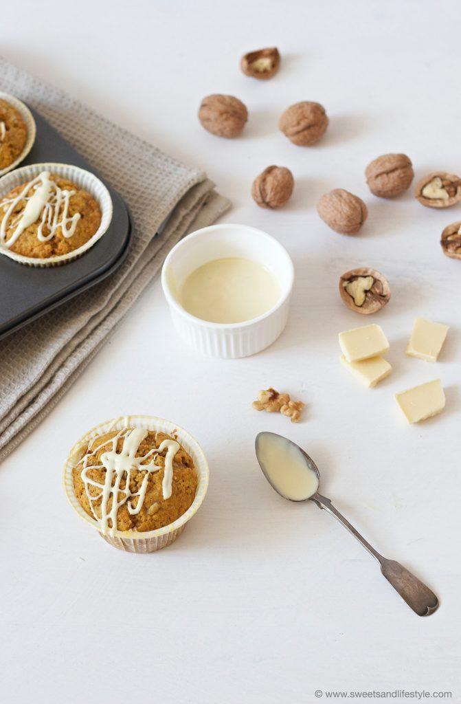 Saftige Kürbis Muffins mit weißer Schokolade, perfekt für den Herbst, von Sweets and Lifestyle