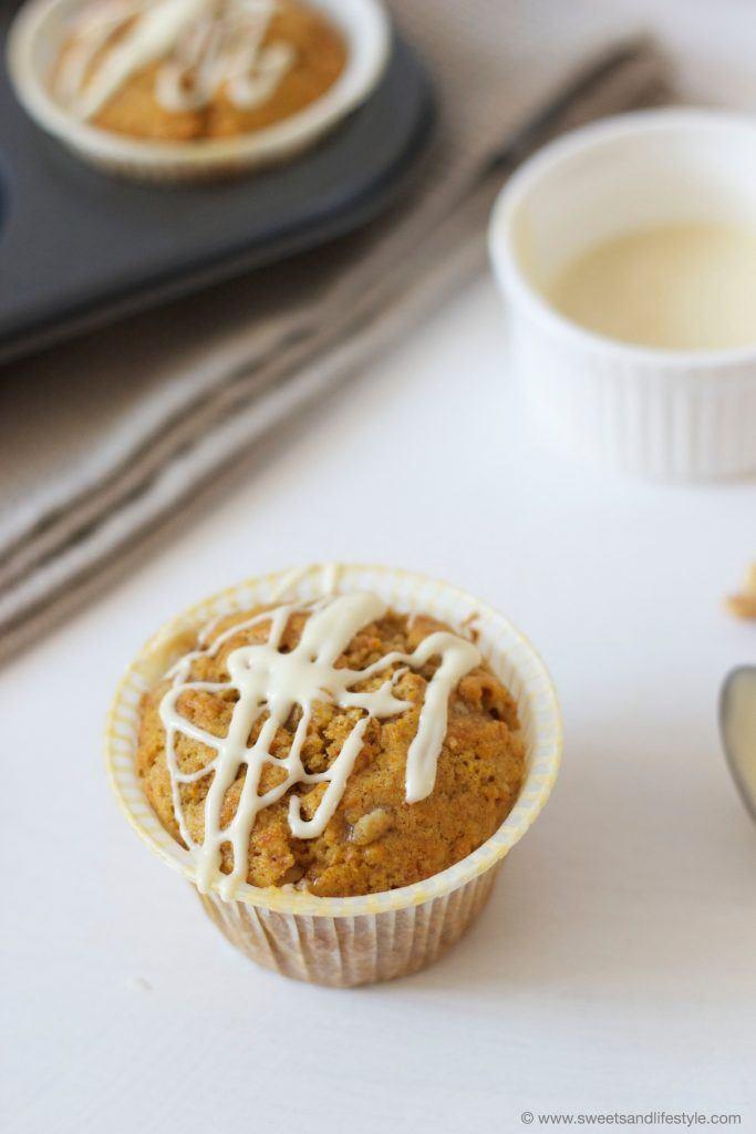 Herrlich saftige Kürbis Muffins mit weißer Schoko von Sweets and Lifestyle
