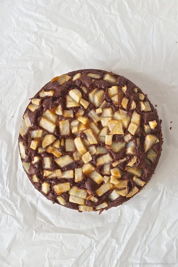 Saftiger Schoko Birnen Kuchen nach einem Rezept von Sweets and Lifestyle