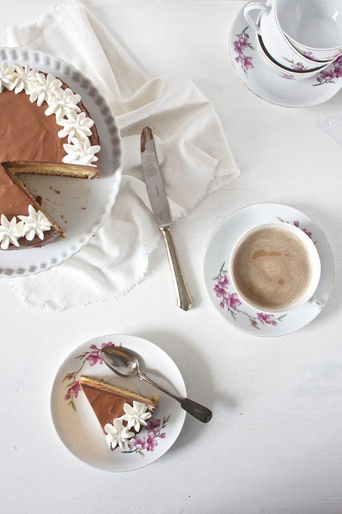 Leckere Birnen Schokomousse Torte zum Nachmittagskaffee nach einem Rezept von Sweets and Lifestyle