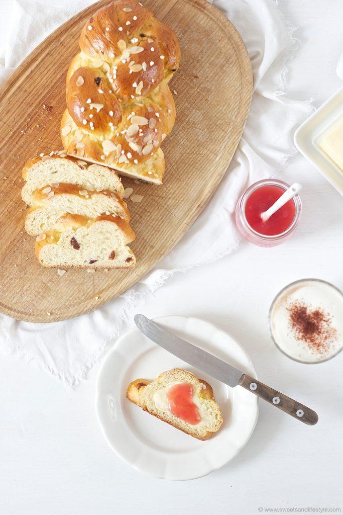 Selbst gemachter Brioche Striezel frisch aus dem Ofen nach einem Rezept von Sweets and Lifestyle