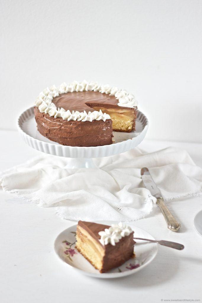Ein Traum von einer Torte ist die Birnen Schokomousse Torte nach einem Rezept von Sweets and Lifestyle