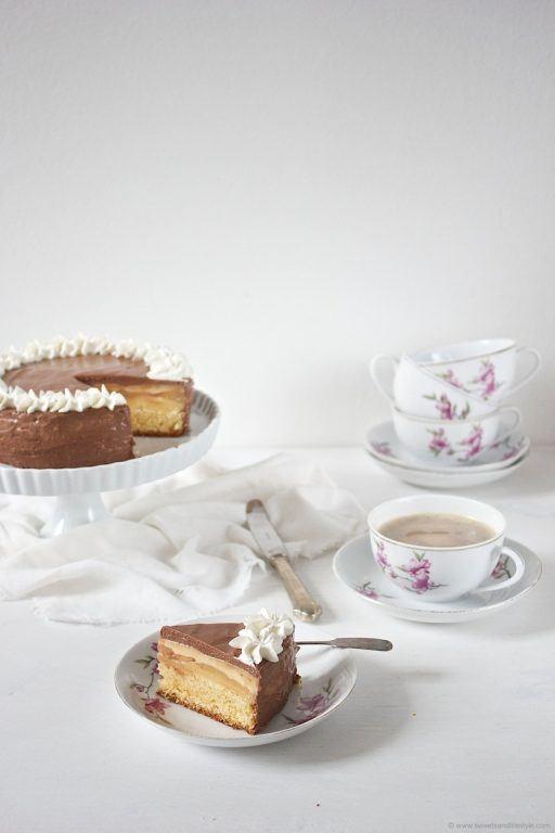 Ein Traum von Torte ist die köstliche Birnen Schokomousse Torte nach einem Rezept von Sweets and Lifestyle