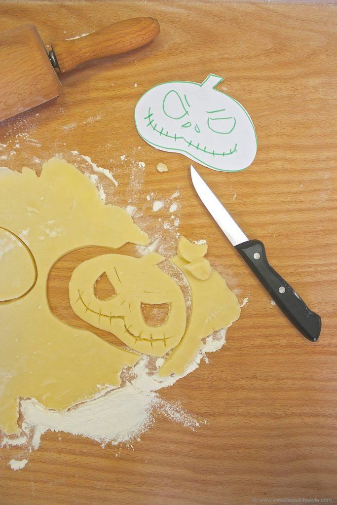 Eine köstliche Idee für Halloween sind die pikant gefüllten Hand Pies von Sweets and Lifestyle